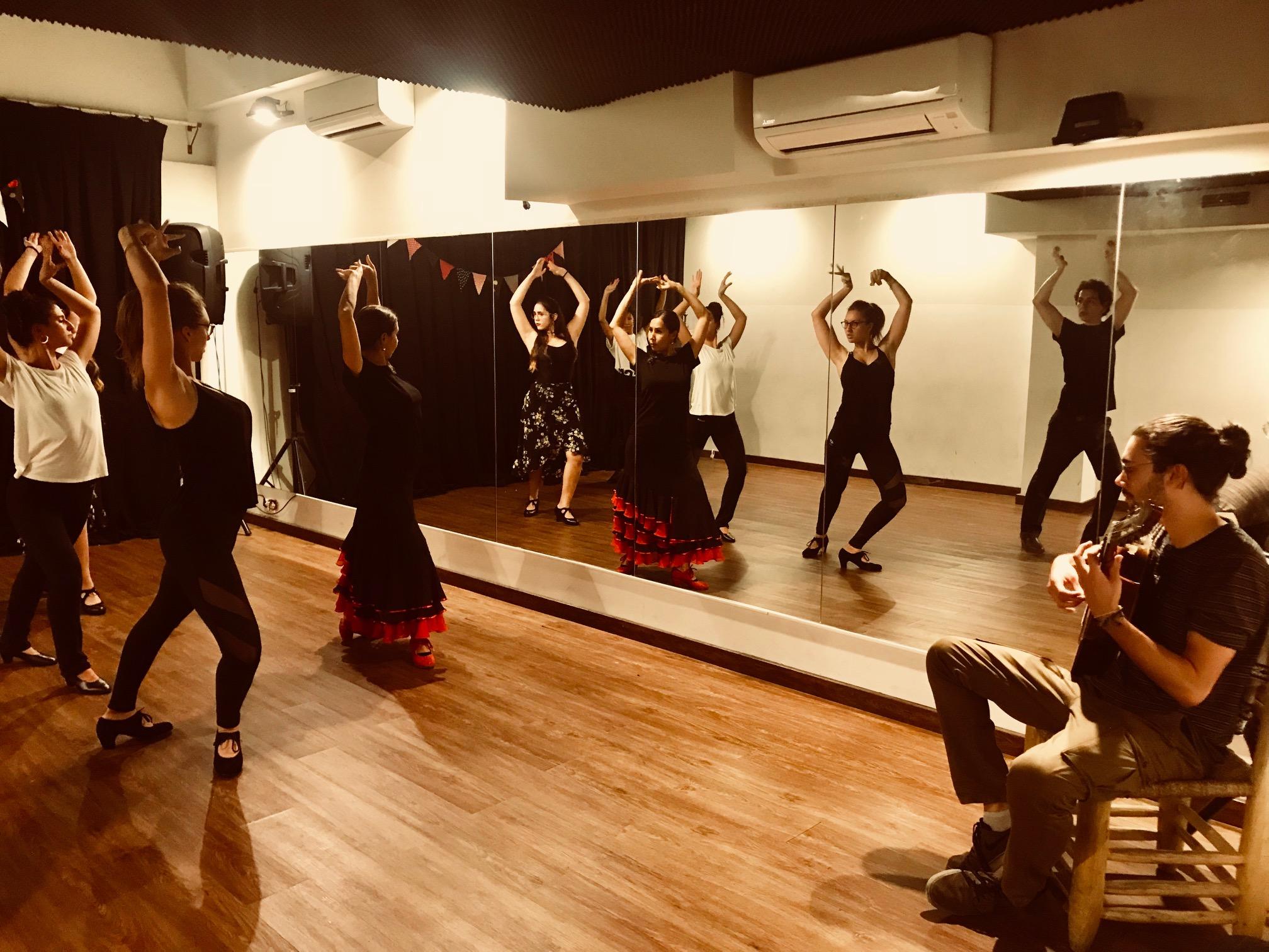 Clases de Flamenco 3- Lucero Cárdenas