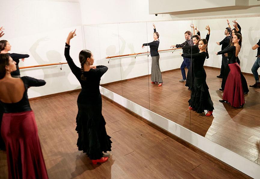 Escuela De Flamenco Lucero Cardenas Flamenco Y Sevillanas En Barcelona